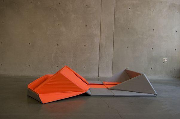 Origami-Sofa-by-Yumi-Yoshida-2